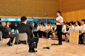首相官邸を表敬訪問(2016年)